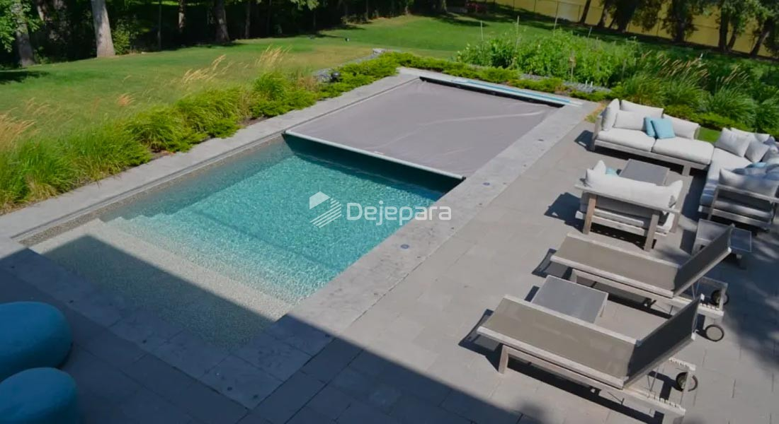 Swimming Pool and Water Features